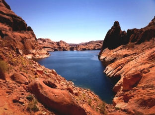 Lake Powell via Hole In The Rock